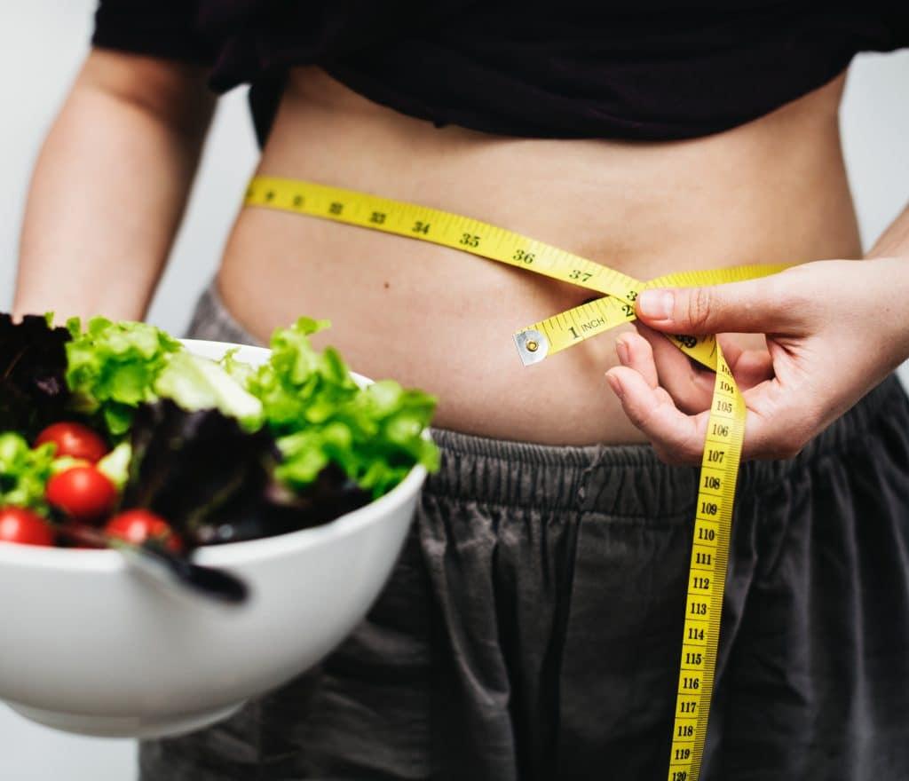 suivi d'évolution de composition corporelle et efficacité d'un programme de rééquilibrage alimentaire